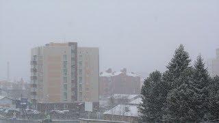 Когда придёт весна? Подборка видеороликов от заметённых снегом югорчан