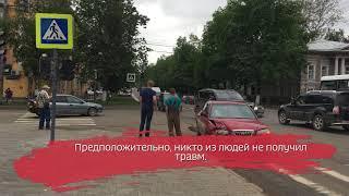 «Хёндай» и «Рено» не поделили перекрёсток в Вологде