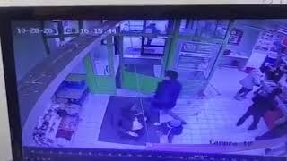 Грабеж в супермаркете