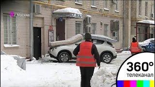 Столица до сих пор устраняет последствия аномального снегопада