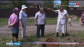 Жители села Нечаевка Мокшанского района в жару ходят за водой два километра
