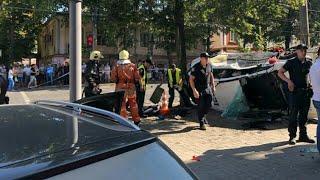 Полицейские сбивали прохожих: появилось видео первых минут аварии в Сумах