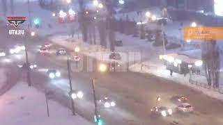 Момент ДТП на пер. ул. М. Жукова - Б. Бикбая, г. Уфа, 18 марта