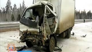 В Нижнеингашском районе школьный автобус протаранил грузовик