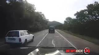 Опасный обгон через сплошную едва не привел к ДТП на трассе под Находкой