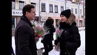 Дмитрий Азаров поздравил женщин Самары с 8 марта