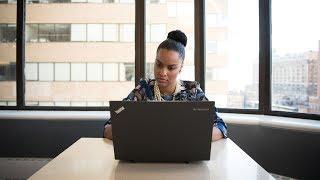 «Могущество в бизнесе все еще принадлежит мужчинам». Почему женщинам сложнее добиться успеха в США