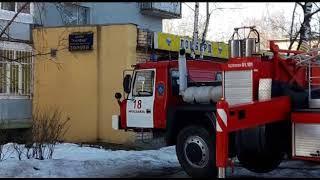 В жилом доме в Ярославле загорелась квартира