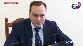 Премьер-министр Дагестана встретился с коллективами Минэкономики и Минпромторга