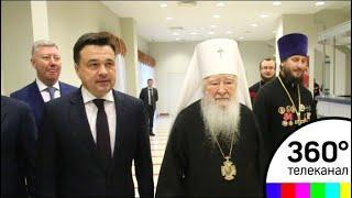 Губернатор Андрей Воробьёв встречал Пасху в Новодевичьем монастыре