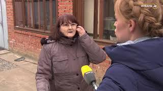 «Горячая линия». Жительница Краснодара самовольно перекрыла общую дорогу