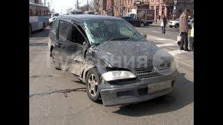 Помощь медиков потребовалась пассажирам автобуса после ДТП в Хабаровске. MestoproTV