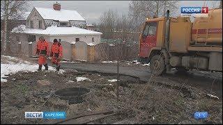 Потоки из канализации заливали Новосельский проезд