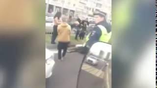В Ярославле водитель на пешеходном переходе сбил девушку