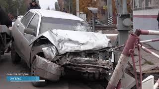 В Энгельсе столкнулись четыре машины, два человека пострадали
