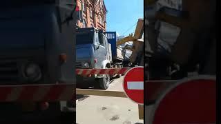 КАМАЗ перевернулся в Томске