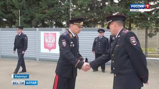 Алтайские полицейские получили 38 новых служебных автомобилей