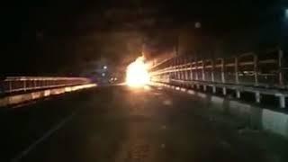 Два комсомольчанина сгорели в угнанном Лексусе