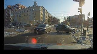 Подборка ДТП за февраль 2018, Омск