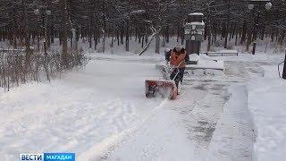 Почти все тротуары Магадана очистили от снега