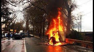 В Сочи в результате ДТП сгорела машина, есть пострадавшие