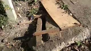 «Источник из подземелья» затопил сквер в Челябинске
