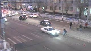 В Волгограде белый Мерседес сбил школьника и скрылся с места ДТП