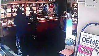 Как в блокбастере: ограбление ювелирного магазина в Уфе попало на видео