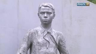 Мальчик Коля — герой или жертва? В Кургане спорят о памятниках