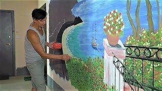 Художник создаёт настоящую картинную галерею в одном из домов Ханты-Мансийска