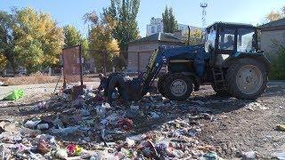 Скандальная УК - «грязнуля» начала вывоз мусора в Тракторозаводском районе Волгограда