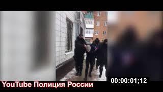Полиция России-СОБР задержали взломщиков терминалов