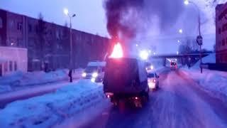 Сегодня утром на Большой Федоровской в Ярославле загорелась фура