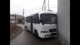 В Ростове на улице Мира произошло ДТП с участием маршрутки