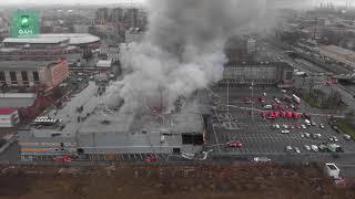 Появилось видео горящего гипермаркета «Лента» в Петербурге с высоты