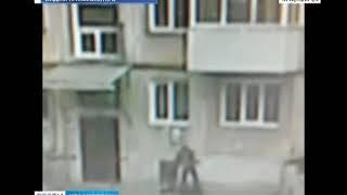 В Ачинске мужчину убили за отказ открыть дверь подъезда