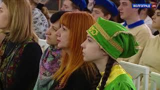 Волгоград получил в дар более 30 картин от художников Татарстана