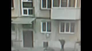 В Ачинске мужчина до смерти избил жильца за отказ открыть дверь