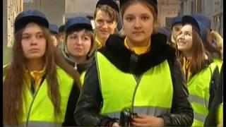 Лучших школьников страны отправили на урок в Челябинск. Детям показали, как собирают вагоны