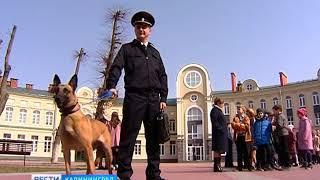 Ученикам православной гимназии в Калининграде провели урок спасатели и полицейские