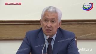 Владимир Васильев провел встречу с представителями Совета старейшин