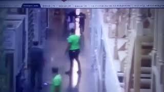 Драка в строительном гипермаркете в Ставрополе попала на видео