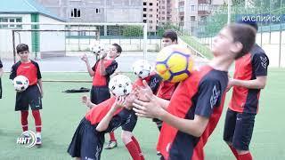 Футбольный фристайлер Дмитрий Карпов дал мастер-класс в Дагестане