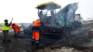 В конце ноября в минусовую температуру ремонтируют оренбургские дороги