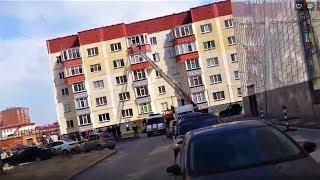 Сургутянка пыталась сбежать из дома с балкона пятого этажа