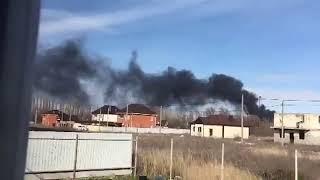 Сильный пожар в районе химзавода Волгодонска попал на видео