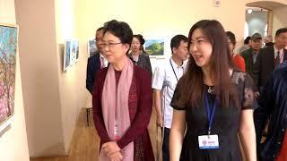 В Амурском краеведческом музее художники представили более сотни своих творений.