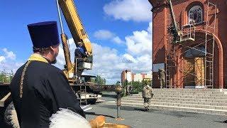 Новую икону для храма в Лангепасе закалили огнём