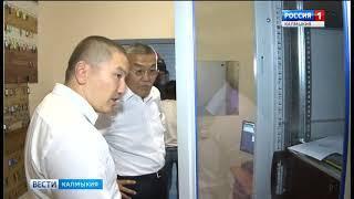 Глава Калмыкии проконтролировал подготовку к мировому первенству по боксу среди студентов