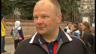 Зарядка от стражей порядка  Челябинские полицейские выстроились на утреннюю разминку